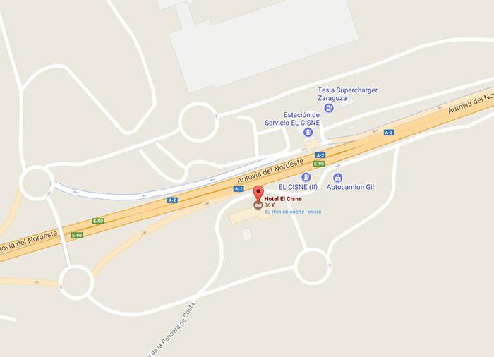 Imagen del Supercharger de Zaragoza en la estación de servicio El Cisne