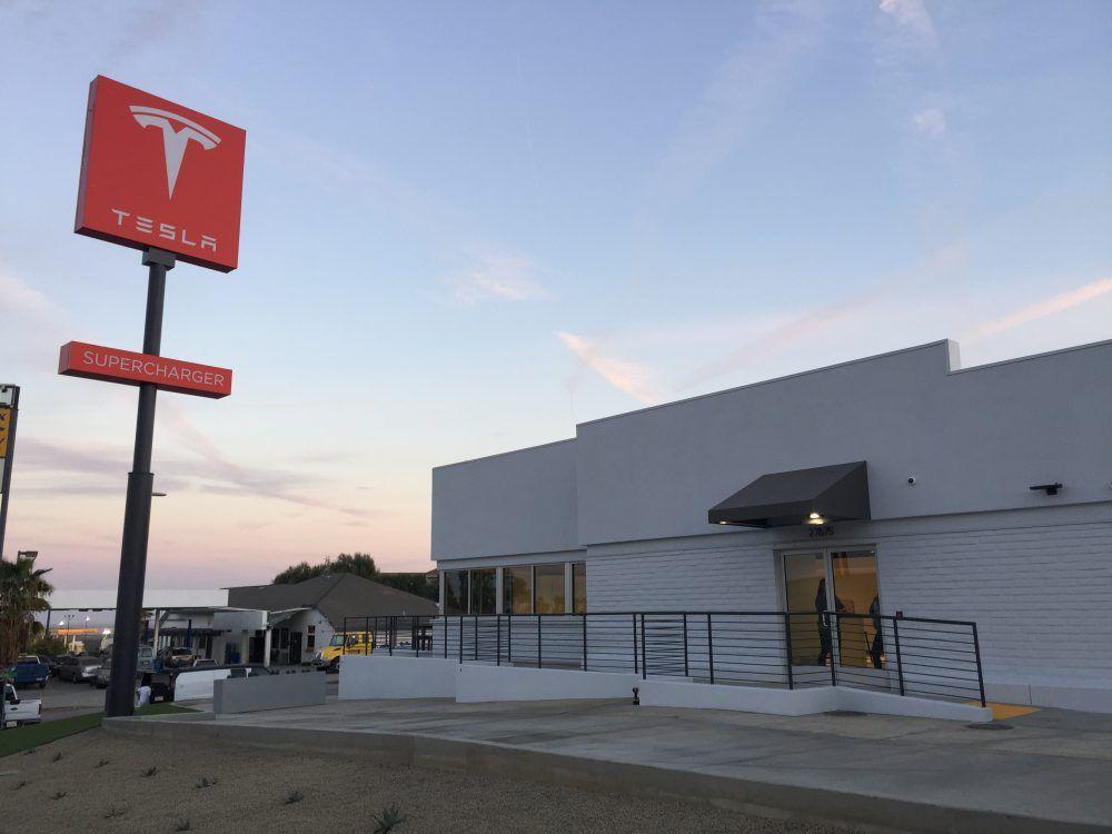 Imagen de las nuevas estaciones de Tesla para los Superchargers