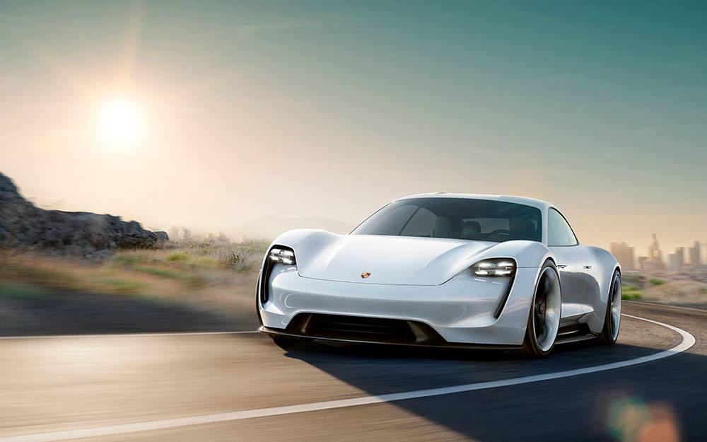 Imagen del Porsche Mission E, el coche eléctrico de Porsche