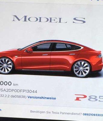 Foto del primer Tesla Model S en alcanzar un millón de kilómetros recorridos