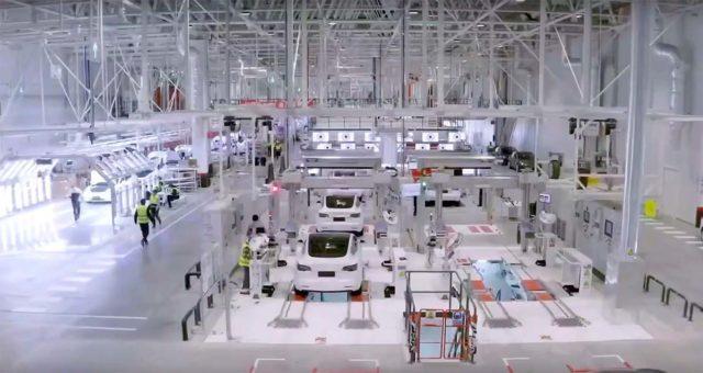 Foto de la Gigafactory 3 por dentro