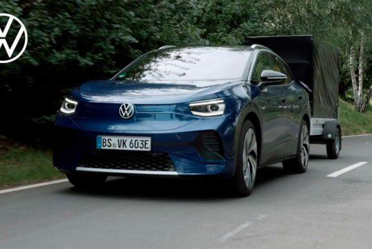 El Volkswagen ID.4 podrá remolcar y lo muestra en un vídeo