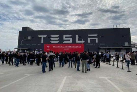 Enviados los primeros Tesla Model 3 fabricados en China a Europa