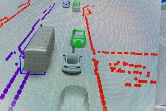 La beta del Full Self Driving se actualizará en dos semanas y aseguran que es alucinante