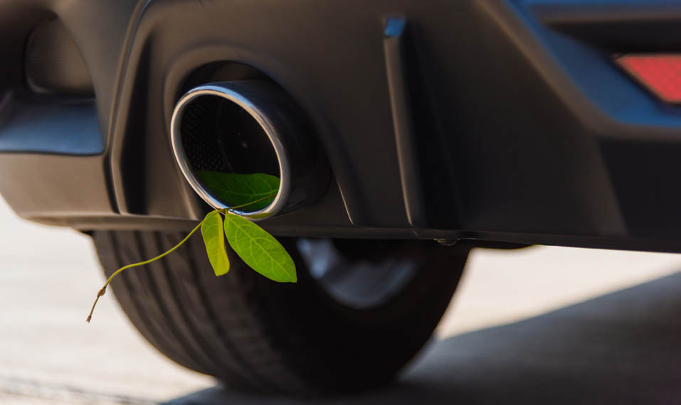 tubo-escape-hoja-verde_emisiones