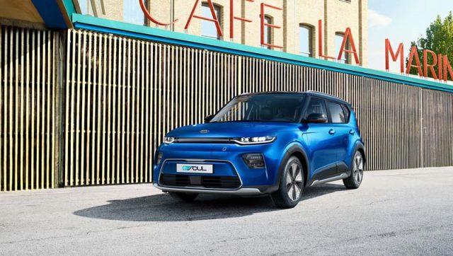 kia-soul-azul-frontal-aparcado