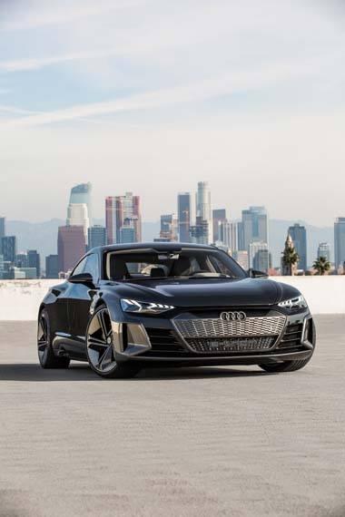 Audi-GT_e-tron-Concept_gris-skyline01