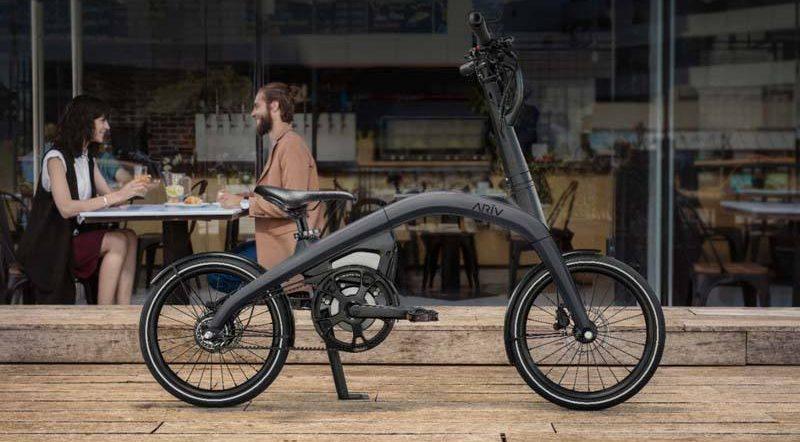 ARIV-Meld-nueva-bicicleta-electrica-GM-aparcada-calle