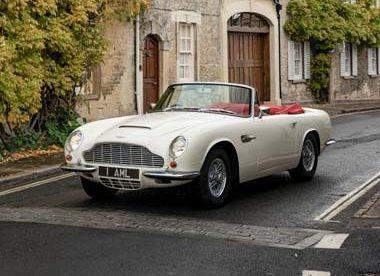 Aston_Martin_Heritage_EV-concept-circulando-frontal-calles