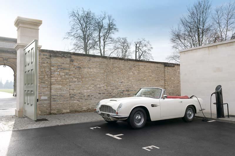 Aston_Martin_Heritage_EV-concept-estacionado-lateral