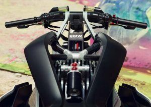 BMW-Motorrad-Vision-DC Roadster_frontal-pantallas