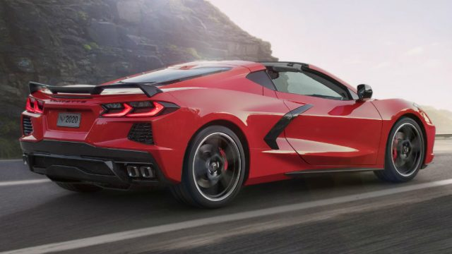 Chevrolet-Corvette-Stingray-2020-combustion