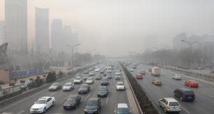 Ejemplo de contaminación de los coches en las ciudades