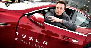 Elon-Musk-Montado_Tesla