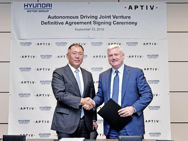 Euisun-Chung_Hyundai-Motor-Group__Kevin-Clark_Aptiv