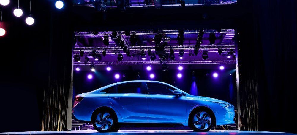 Geometry-A-nueva-marca-VE-geely-sedan-deportivo-lateral-presentacion