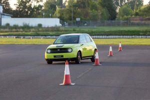 Honda-e-amarillo-circuito3-conos