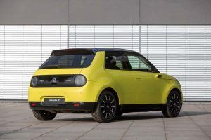 Honda-e-trasera-amarillo