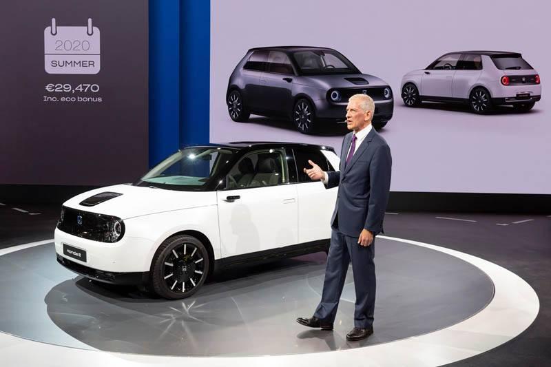 Honda-e-version-produccion-salon-frankfurt-iaa-2019_presentacion
