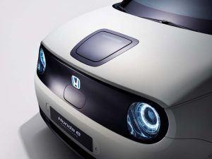 Honda-e_Prototype-concept-produccion-Salon-Ginebra-2019_parte-delantera-luces-compartimento-carga