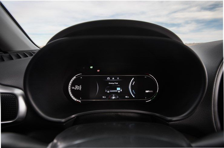 KIA_Soul_EV-Amarillo-interior-pantalla_instrumentos