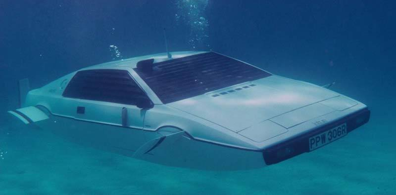 Lotus-Esprit-submarino-pelicula-james-bond