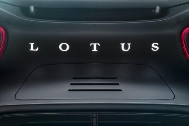 Lotus-Type-130-hipercoche-electrico-presentacion-londres-julio-2019