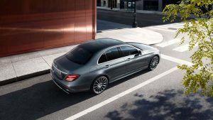 Mercedes-Benz-Clase-E-berlina-combustion-actual_vista-trasera