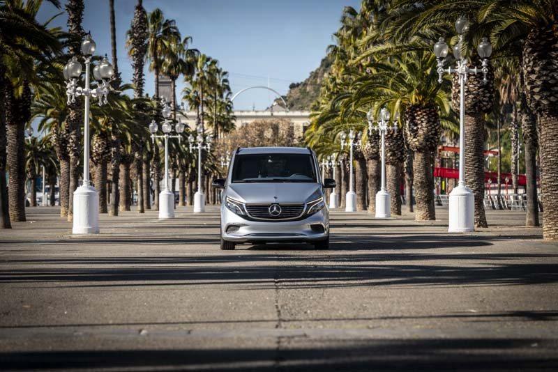 Mercedes-Benz-EQV_furgoneta-electrica-Barcelona_frontal