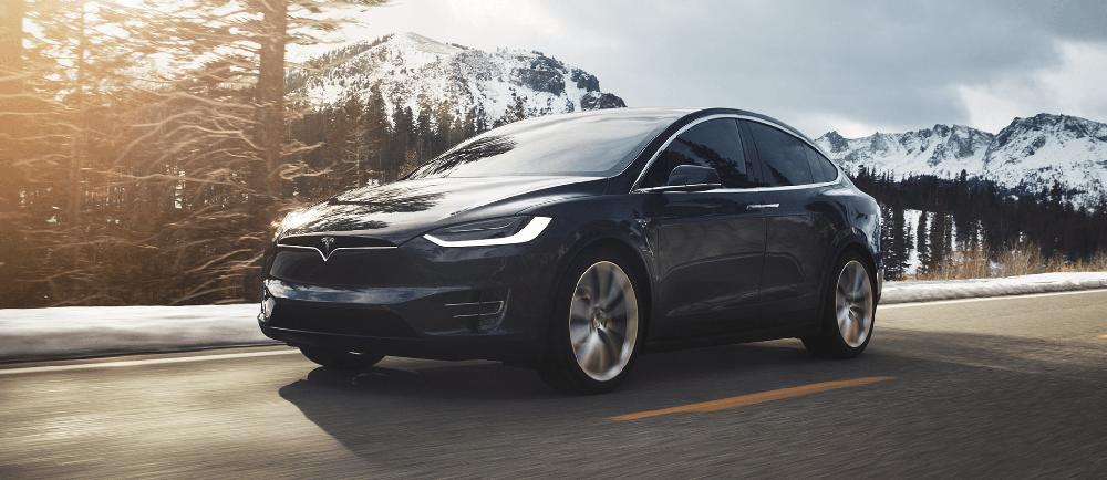 ModelX-Conduciendo