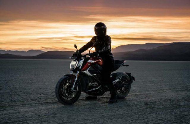 Motocicleta-electrica-ZERO-SR_F_parada