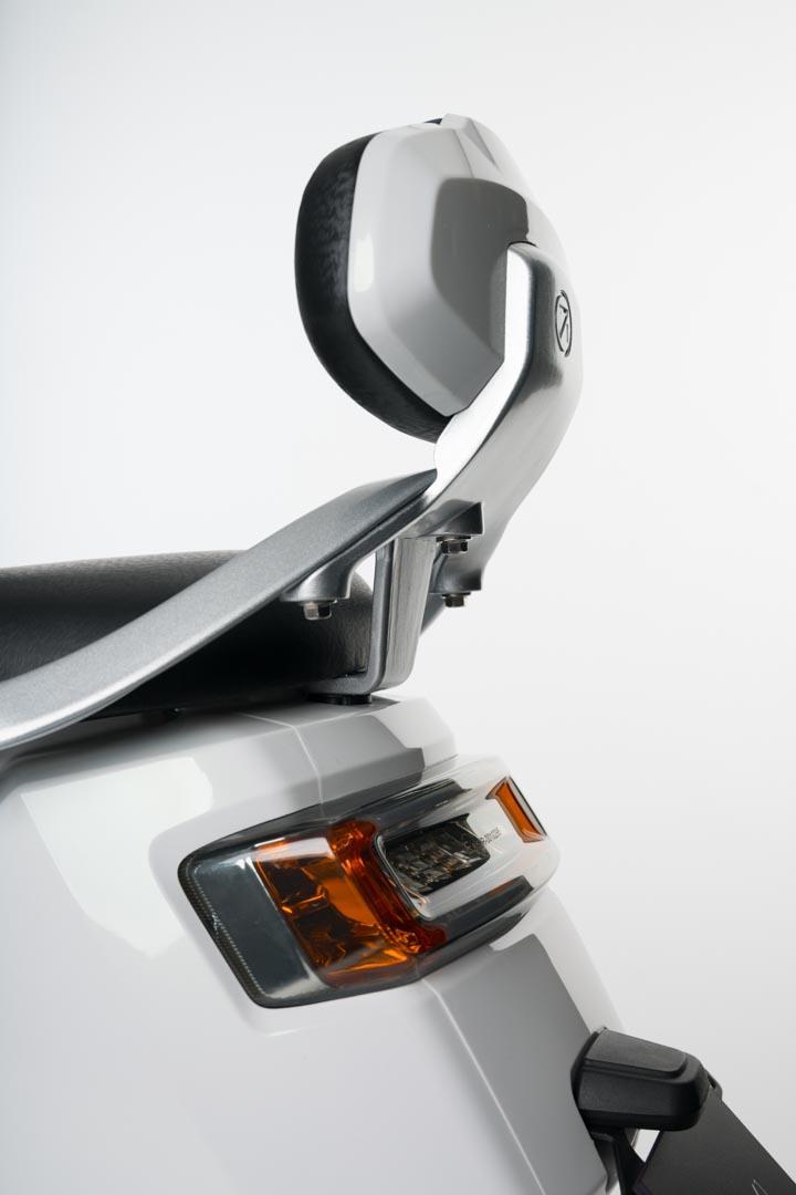 NEXT-NX1-scooter-electrica-respaldo-incluido-serie
