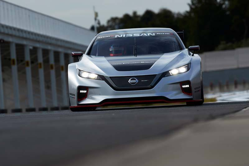 Nissan LEAF NISMO RC - Frontal_Carretera-con_luces2