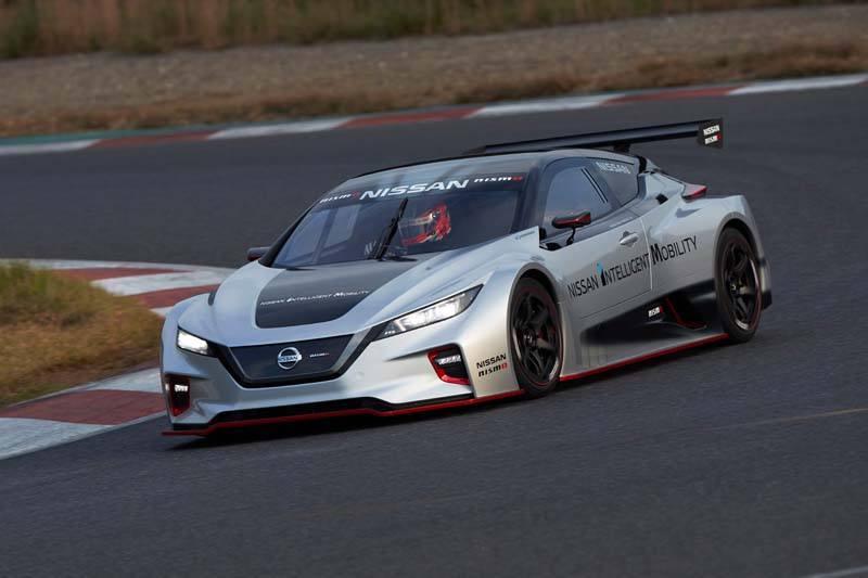 Nissan LEAF NISMO RC - Curva_Carretera-luces