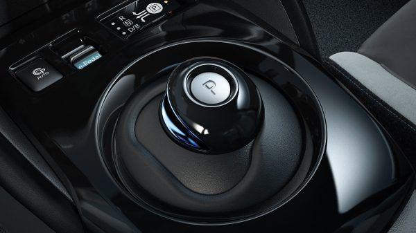 Nissan_Leaf-cambio_automatico