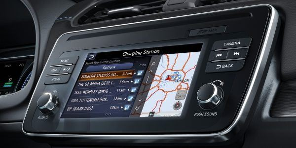 Nissan_Leaf-pantalla