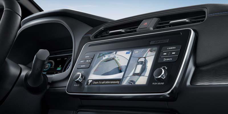 Nissan_Leaf-pantalla_360