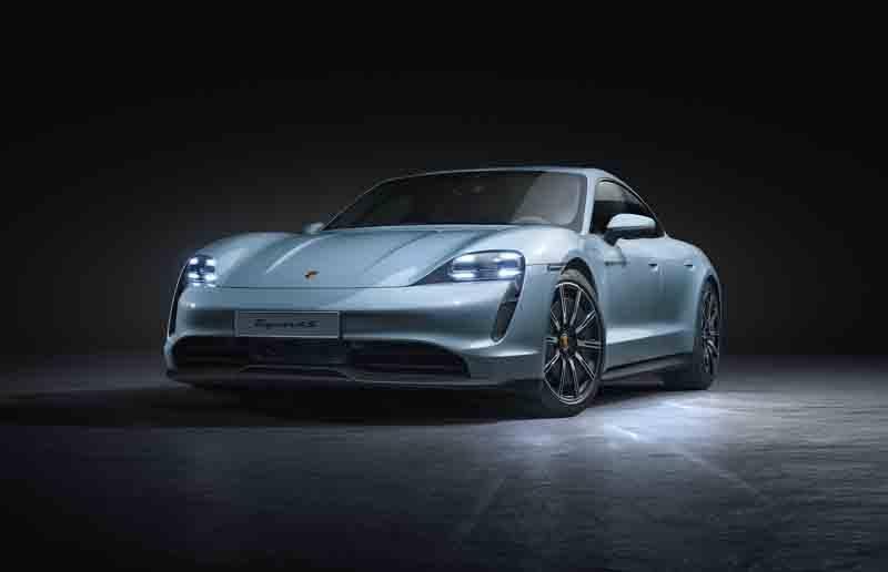 Porsche-Taycan-4S_frontal