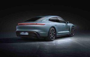 Porsche-Taycan-4S_trasera