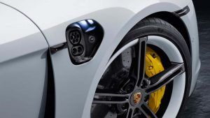 Detalle de la carga del Porsche Taycan