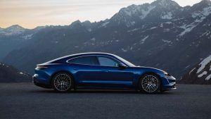 Vista lateral del Porsche Taycan
