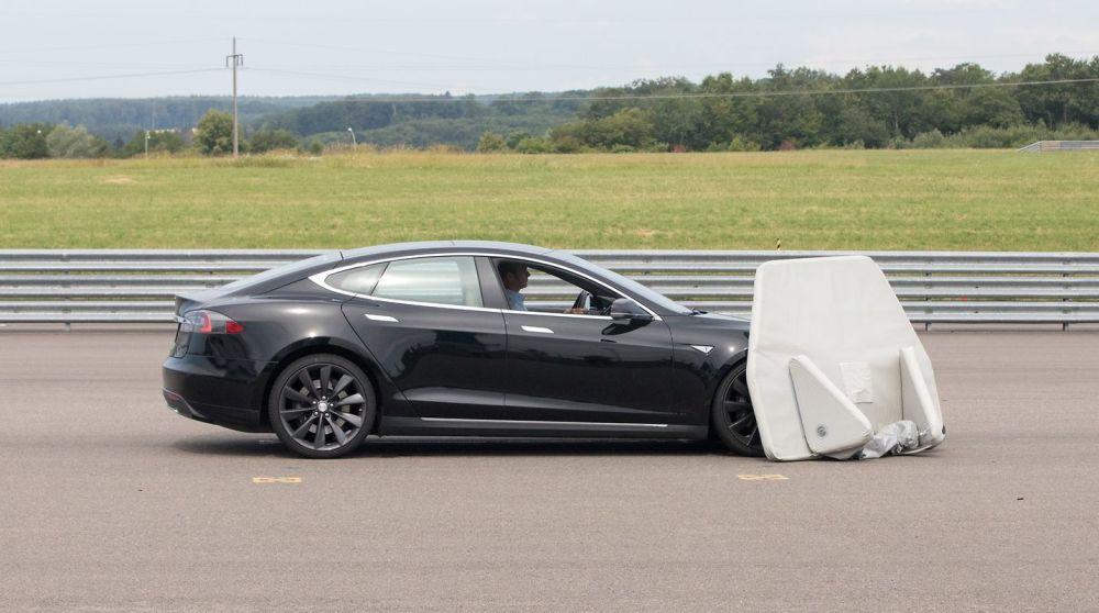 Prueba-Luxemburgo-TeslaModelS2015_03