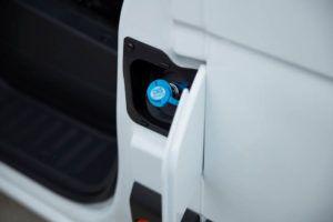 Puerto-carga-furgonetas-comerciales-renault-hidrogeno2