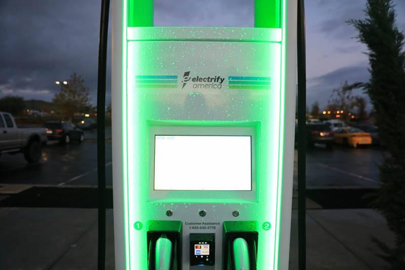 Punto-carga-estacion-electrify-america
