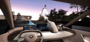 Realidad-virtual-desmotracion-sistema-interaccion-natural-multimodal-BMW-persentado-MWC2019-Barcelona-informacion-obtenida-vehiculo-al-preguntar-algo4