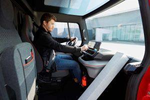 Renault-EZ-Flex-conduciendo