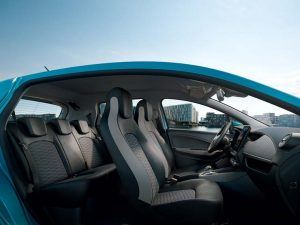 Renault-Zoe-2019-interior-lateral