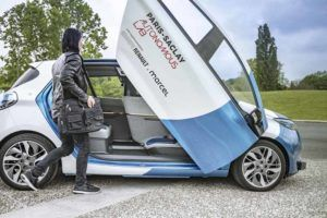 Renault-Zoe-Autonomo-Paris_lateral-puerta-abierta