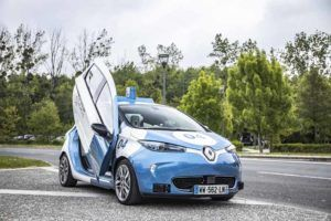 Renault-Zoe-Autonomo-Paris_lateral-puerta-abierta2