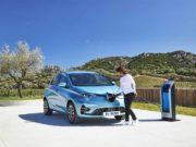 Foto del nuevo Renault Zoe cargando su batería